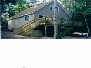 Sundridge cottage on beautiful Lake Bernard